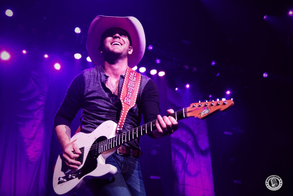 Justin Moore performs at Casion Rama - Photo: Corey Kelly