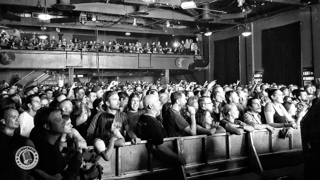 The Crowd taking in I Mother Earth at the Phoenix Concert Theatre in Toronto - Photo: Scott Burns