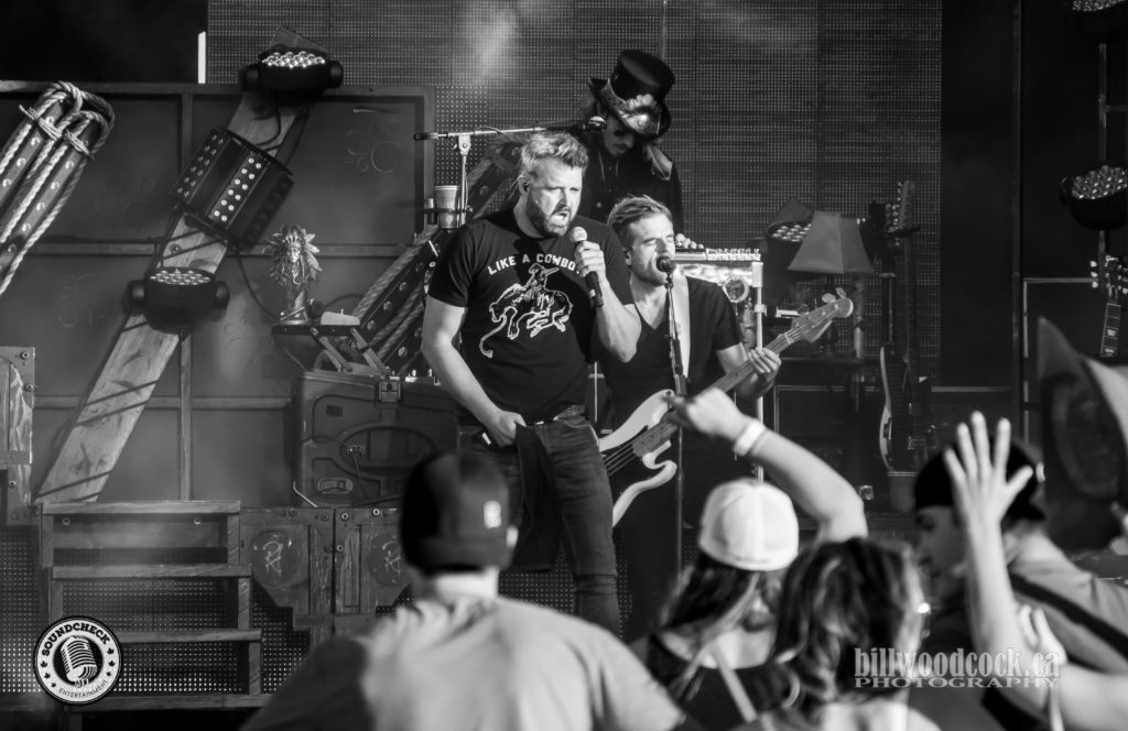 Randy Houser performs at Trackside Music Festival in London, ONT - Photo: Bill Woodcock