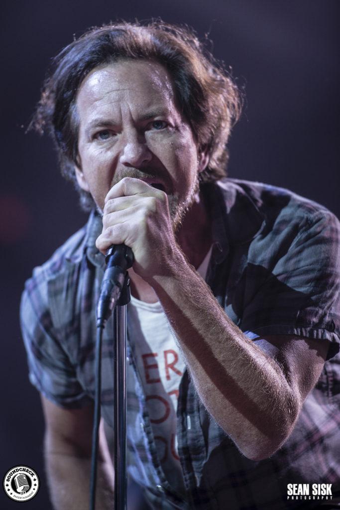 Lyric pearl jam misheard lyrics : Pearl Jam strikes like lightning to near capacity crowd in Ottawa ...